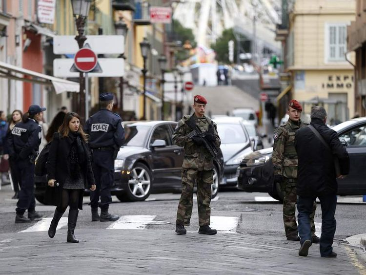 The scene where 3 soldiers were attacked outside a Jewish centre in Nice