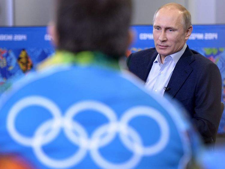 Vladimir Putin meets volunteers in Sochi