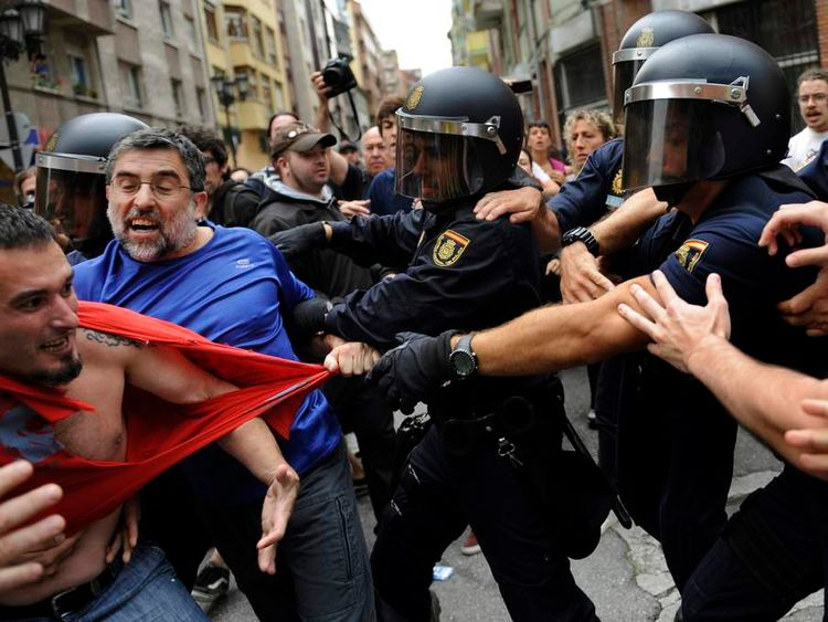 Eviction protest in Oviedo