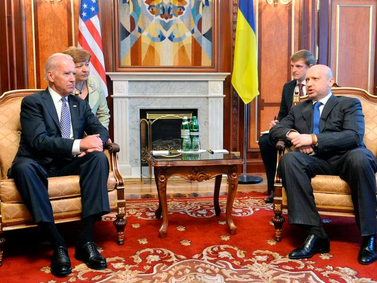 Ukraine's acting President Turchinov meets with U.S. Vice President Biden in Kiev