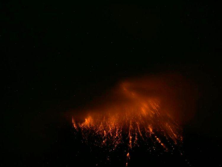 Ecuador's Tungurahua volcano erupts near Banos 2