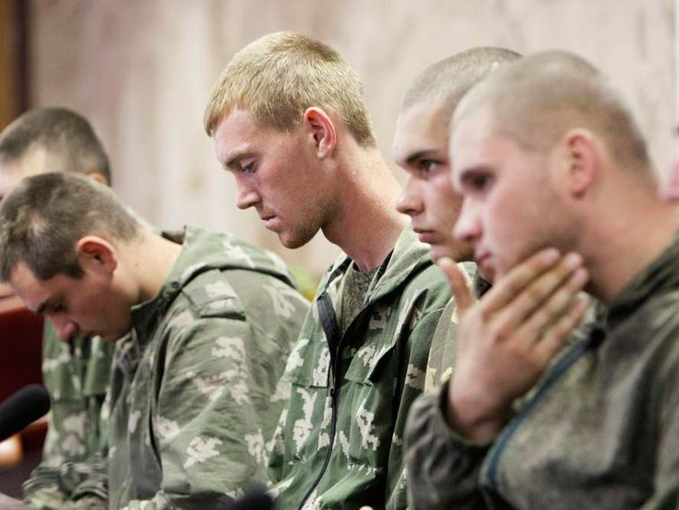 Russian servicemen detained in Ukraine at news conference in Kiev 3