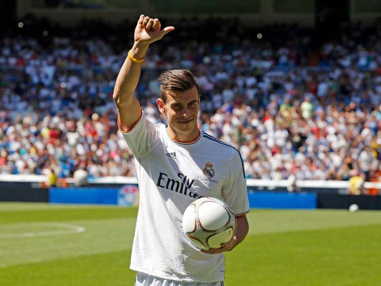 Gareth Bale is officially unveiled at Real Madrid