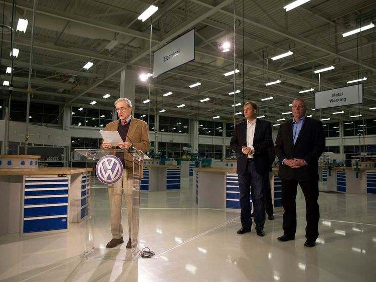 Retired Circuit Court Judge Sam Payne announces that UAW union lost its bid to represent workers at the Volkswagen plant in Chattanooga