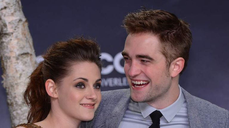 Who was robert pattinson dating before kristen