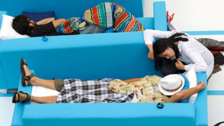 Snoozers take part in the first Spanish siesta competition