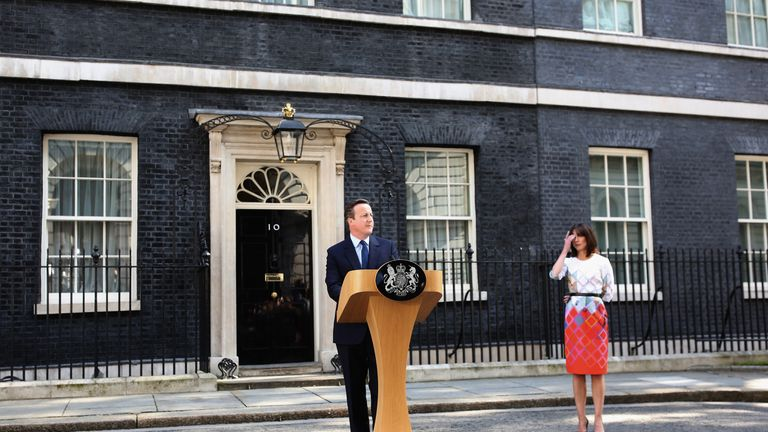 David Cameron announces his resignation after losing the EU referendum vote