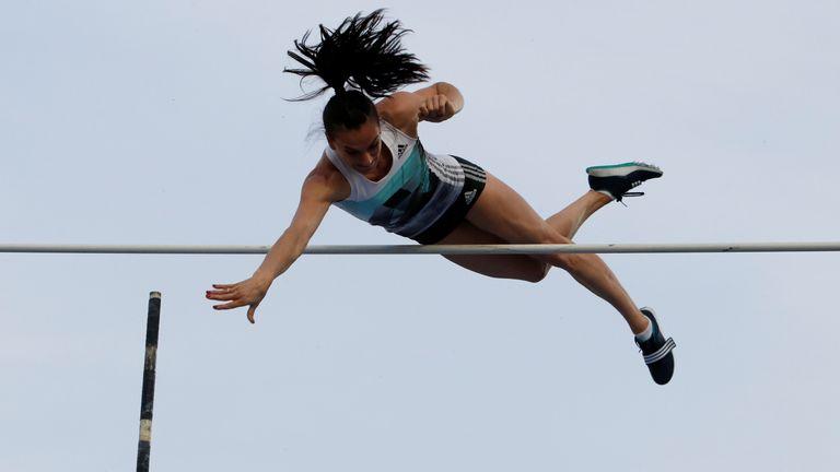 banned russian pole vaulter yelena isinbayeva wins olympic