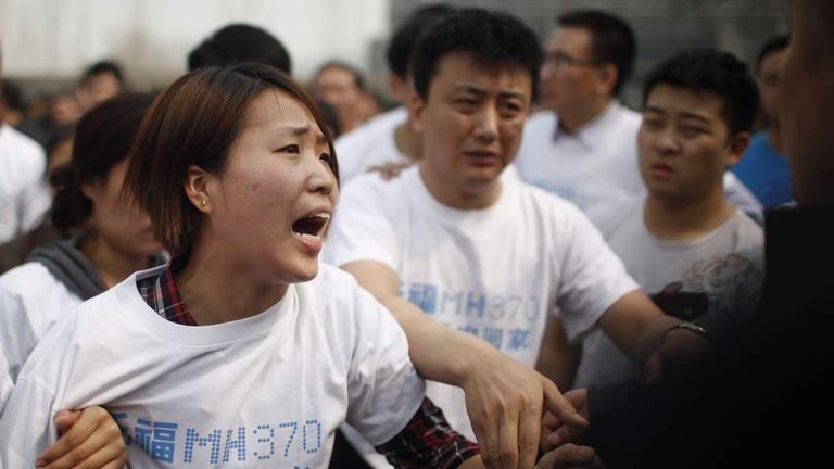 MH370: Relatives Clash With Police