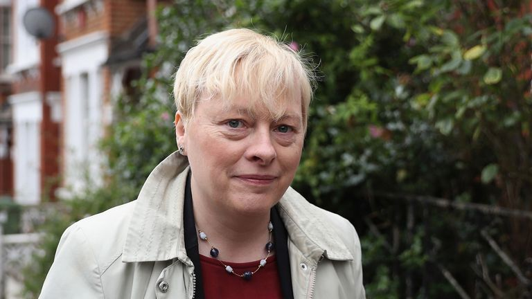 Angela Eagle is to launch her leadership challenge