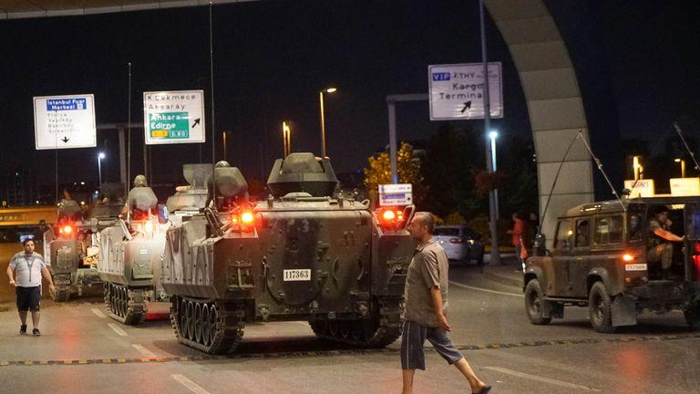 Turkish army tanks enter Istanbul Ataturk Airport
