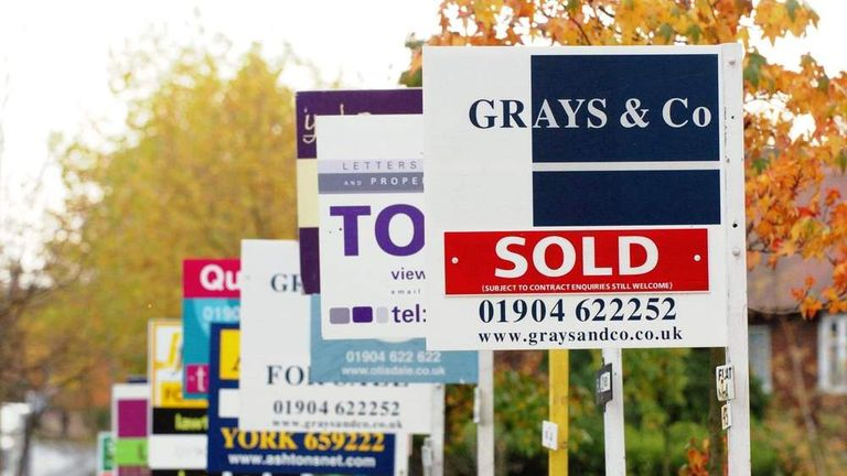 Mortgage approvals rise again