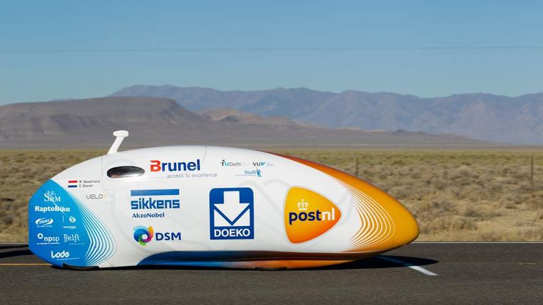 Sebastiaan Bowier breaks the bicycle world speed record