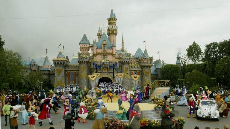 Measles Outbreak Linked To Disneyland Visits | US News | Sky