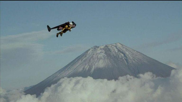 Jetman Yves Rossy flies over Japan's Mount Fuiji