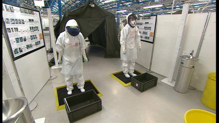 NHS volunteers receive training in ebola care
