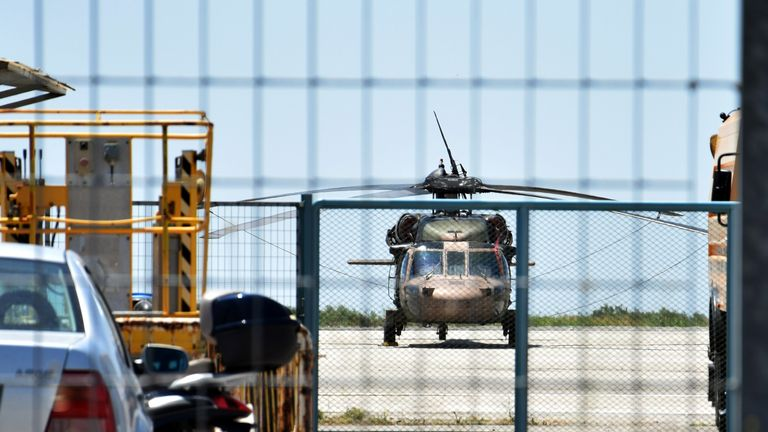 Eight Turkish soldiers illegally entered Greece in a Black Hawk helicopter