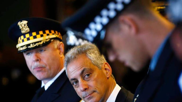 Mayor of Chicago Rahm Emanuel with Chicago Police Department officers