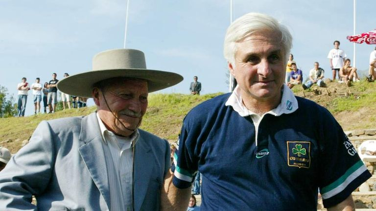 Former Uruguayan rugby player Roberto Canessa (R) leads Chilean muleteer Sergio Catalan