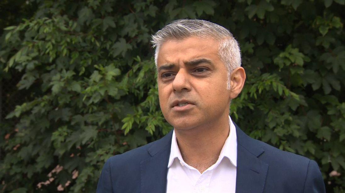 London Mayor Sadiq Khan has backed Jeremy Corbyn's rival in the Labour leadership race
