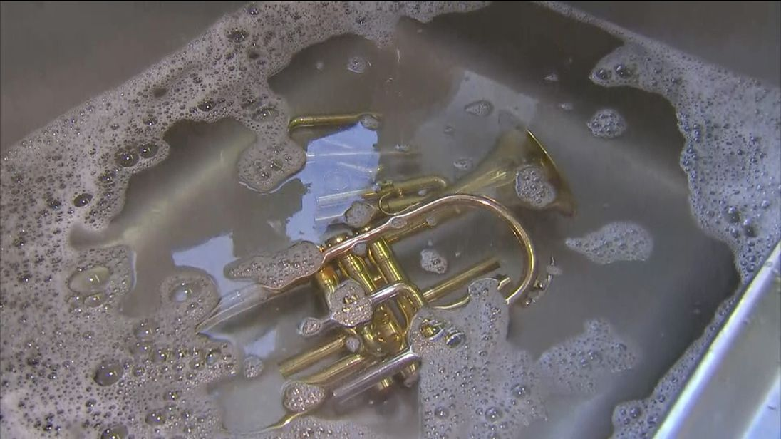 How to clean wind instruments