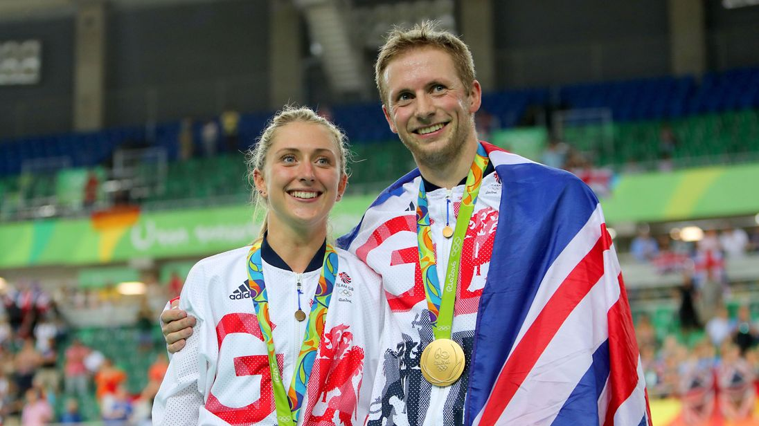 Great Britain S Jason Kenny After Winning The Gold Medal In Keirin Poses With Fiancee Laura