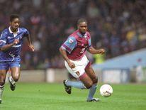 Aston Villa striker Dalian Atkinson (R) and Chelsea midfielder Eddie Newton