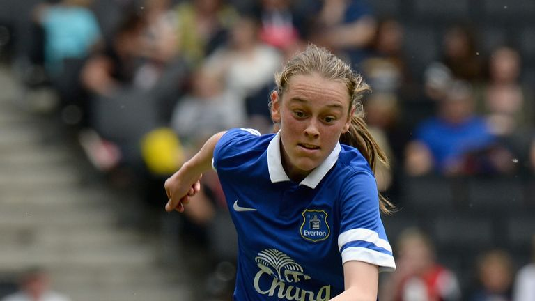 Zoe Tynan playing for Everton Ladies during the FA Girl's Youth Cup Final in 2014