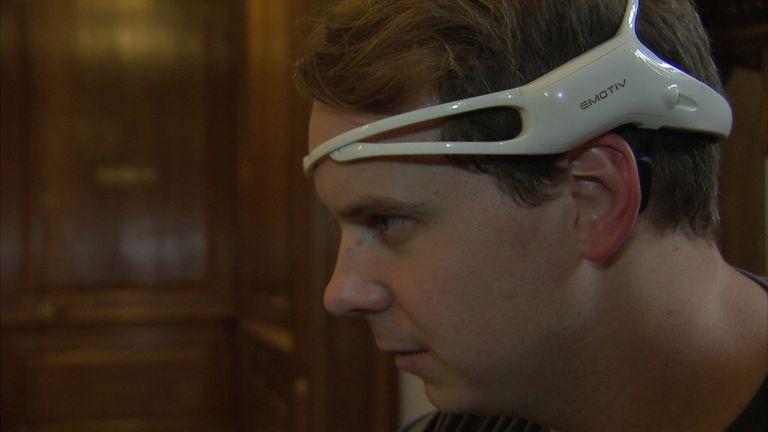 The headset measures brain waves