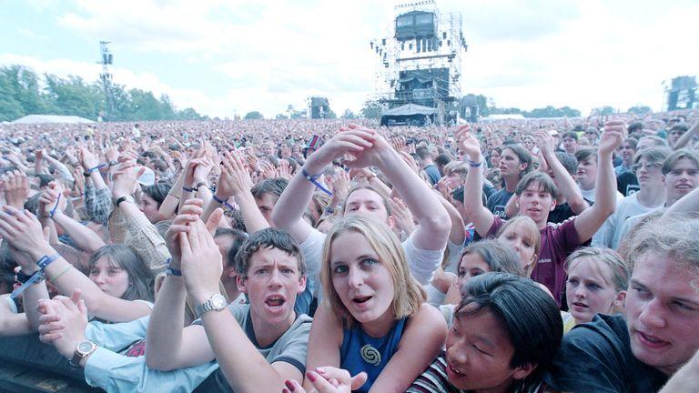 Oasis fans
