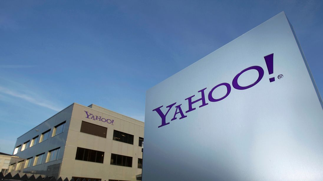 Yahoo fined £250,000 over cyber-attack