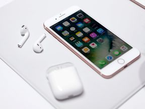 The Apple iPhone7 and AirPods are displayed during an Apple media event in San Francisco, California, U.S. September 7, 2016. Reuters/Beck Diefenbach