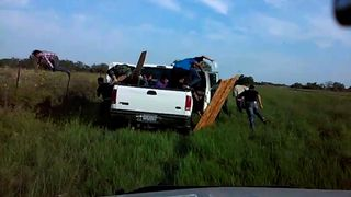 Suspected illegal immigrants get chased by police