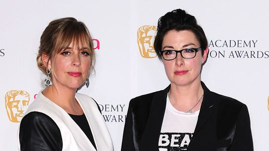 Mel Giedroyc and Sue Perkins will step down as hosts of the Great British Bake Off when it moves to Channel 4