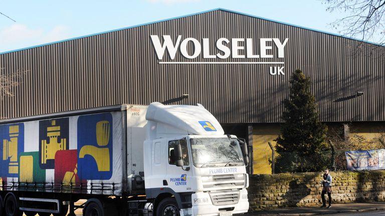 Wolseley to cut 800 jobs in UK shakeup