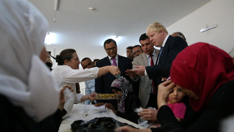 Mr Johnson met refugees at the Nizip camp in Gaziantep province