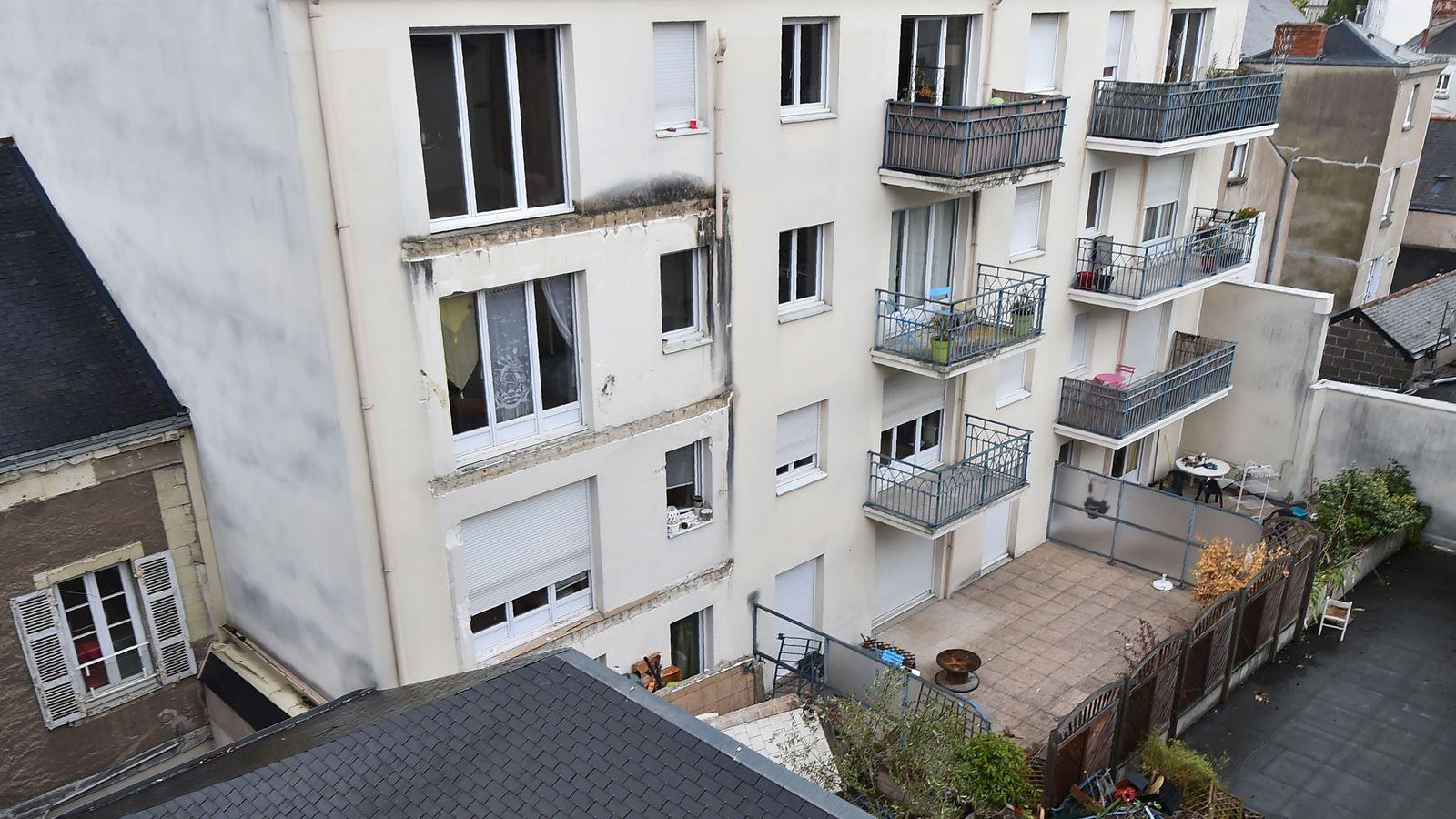 Во франции упавший балкон убил четырех человек // нтв.ru.