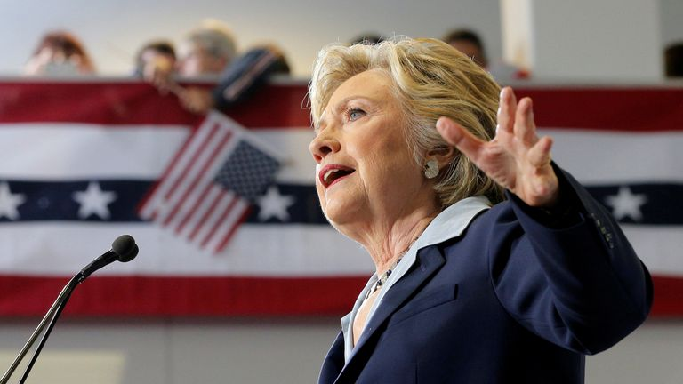 U.S. Democratic presidential nominee Hillary Clinton delivers an economic speech during a campaign stop in Toledo, Ohio, U.S., October 3, 2016. REUTERS/Brian Snyder