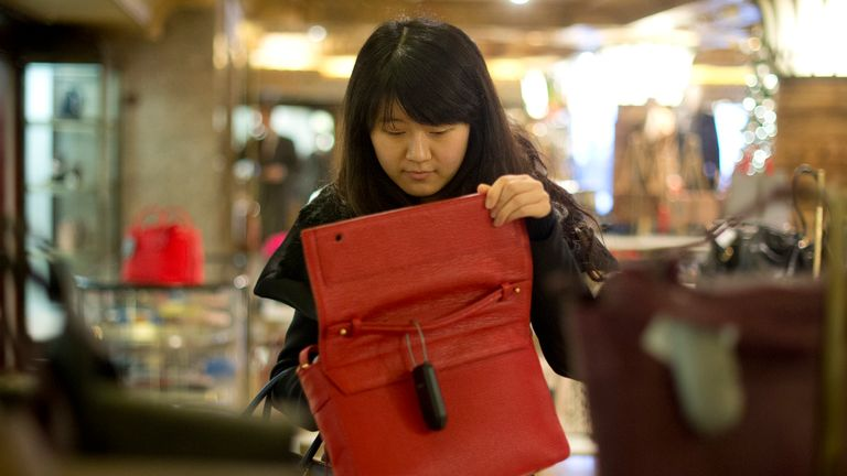 Spending by Chinese visitors to the UK has surged by almost a fifth