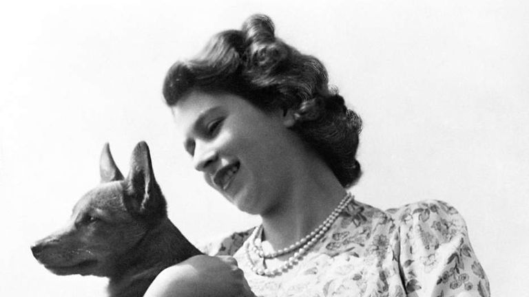 Royalty - Princess Elizabeth and corgi