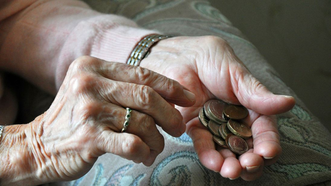 United Kingdom retirees expect to receive 29% of working salary as pension