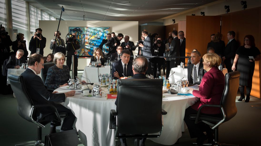 Theresa May speaks with Barack Obama and four other European leaders in Berlin