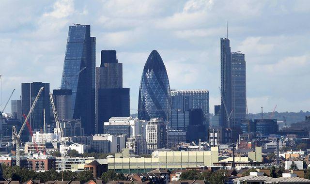 Property finance hub Lendinvest picks banks for £500m float