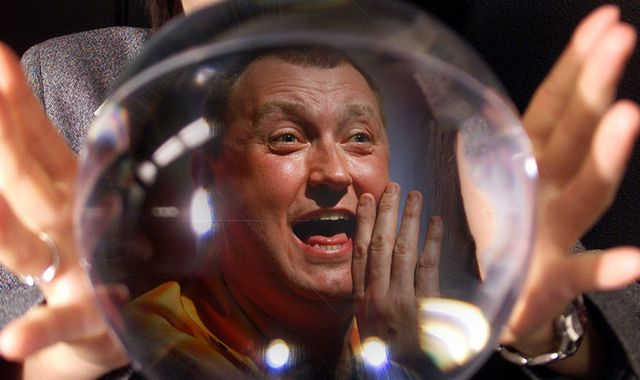 Wayne Mardle makes his Premier League Darts predictions for the Play-Offs at The O2