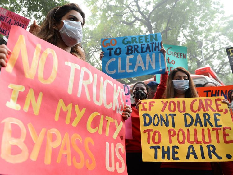 Protesters in New Delhi call for action on air pollution