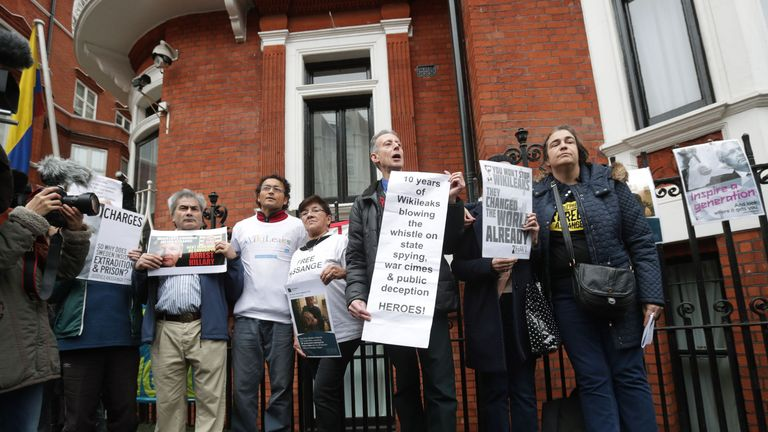 Peter Tatchell (centre) with Julian Assange supporters