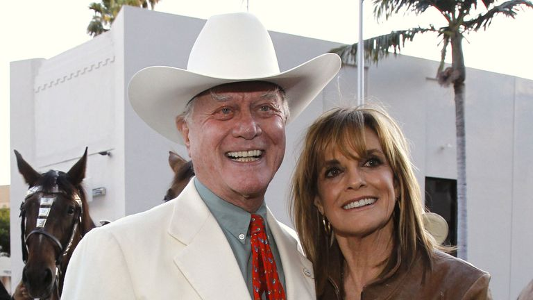 Former Dallas stars Larry Hagman and Linda Gray in 2011