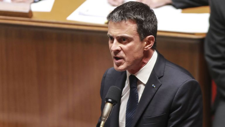 French Prime Minister Manuel Valls speaks during a session of questions to the government at the National Assembly in Paris on November 16, 2016