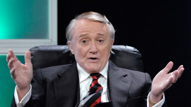 """Actor Robert Vaughn answers questions during the panel for the AMC television show """"Hustle"""" at the Television Critics Association 2007 winter press tour in Pasadena, California, U.S. January 12, 2007. REUTERS/Phil McCarten/File Photo"""