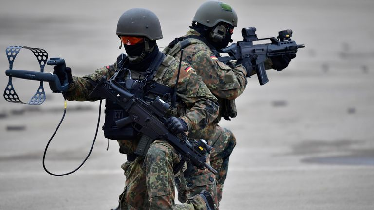 Germany is concerned Islamic State could be trying to infiltrate its military